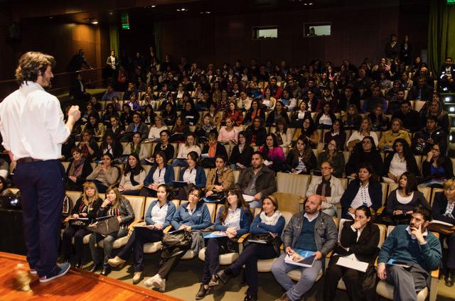 Cientos de sanjuaninos participaron de la jornada de capacitación de gestión personal
